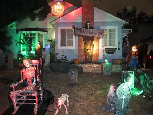 Halloween_houseb4