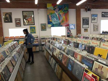 Chrismasshopping_recordstore1_s